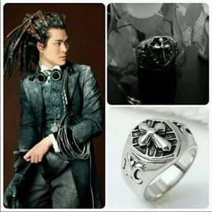Other - Beautiful mans gothic ring